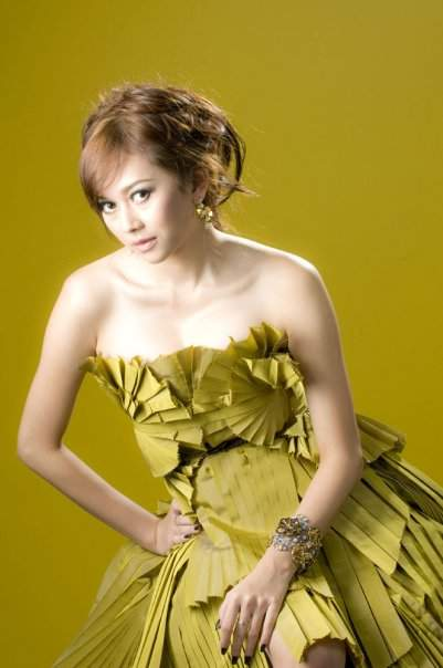 Aura kasih hot photoshoot celebrity