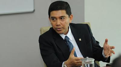 Terkait Batalnya Pengangkatan Honorer K2 dan  Bida PTT, Integritas Menteri Yuddy Dipertanyakan