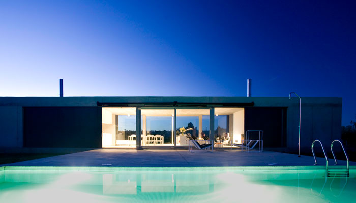 Minimalist architecture from spain modern design by for Minimalist house construction