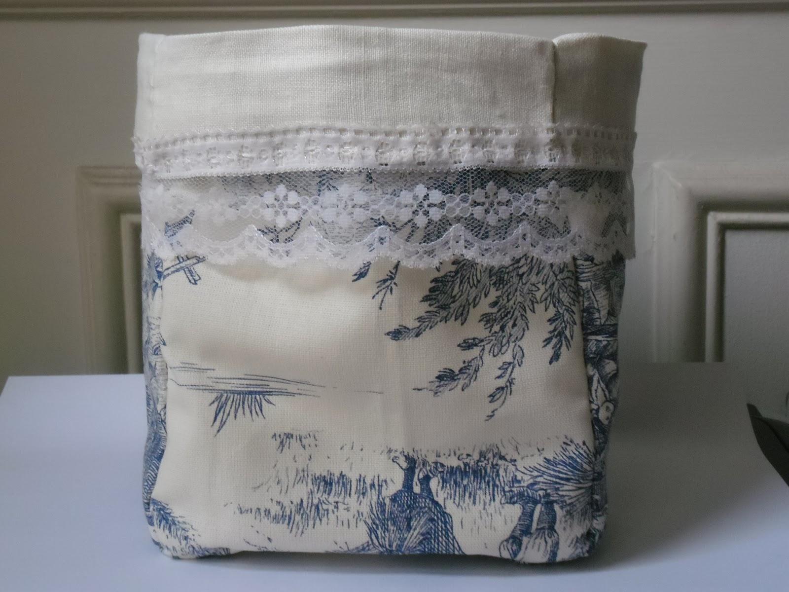 l 39 atelier des couleurs du temps corbeille en tissu toile. Black Bedroom Furniture Sets. Home Design Ideas
