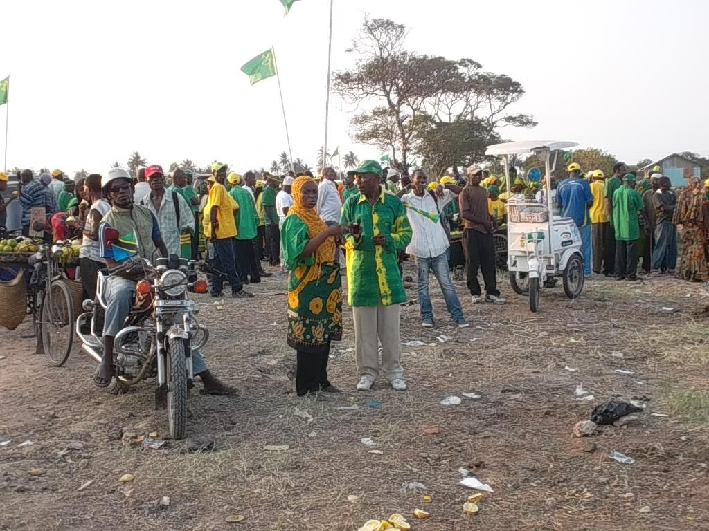 http://www.jamiiforums.com/jukwaa-la-siasa/276889-sasa-rasmi-gazeti-la