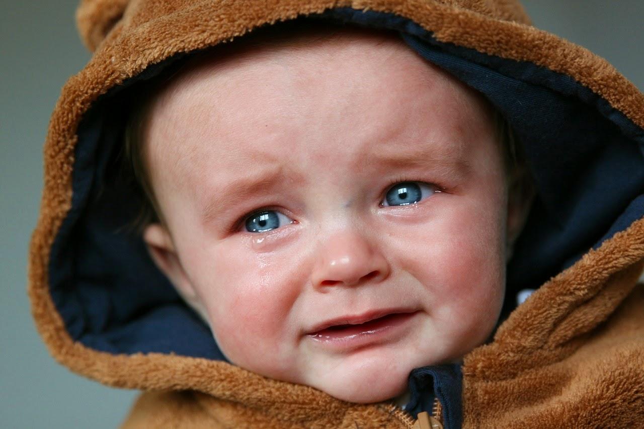 desarrollo emocional, formación de su personalidad- un bebe gritando