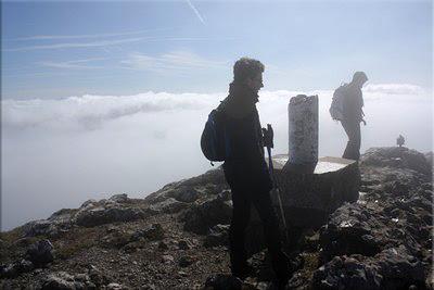 Niebla, viento y frío en la cima