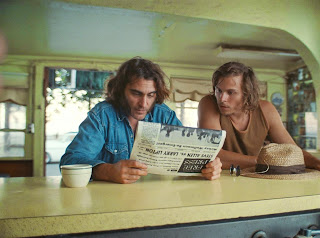 inherent vice-joaquin phoenix-jordan christian hearn
