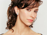 Jennifer Love Hewitt Hairstyles Pictures