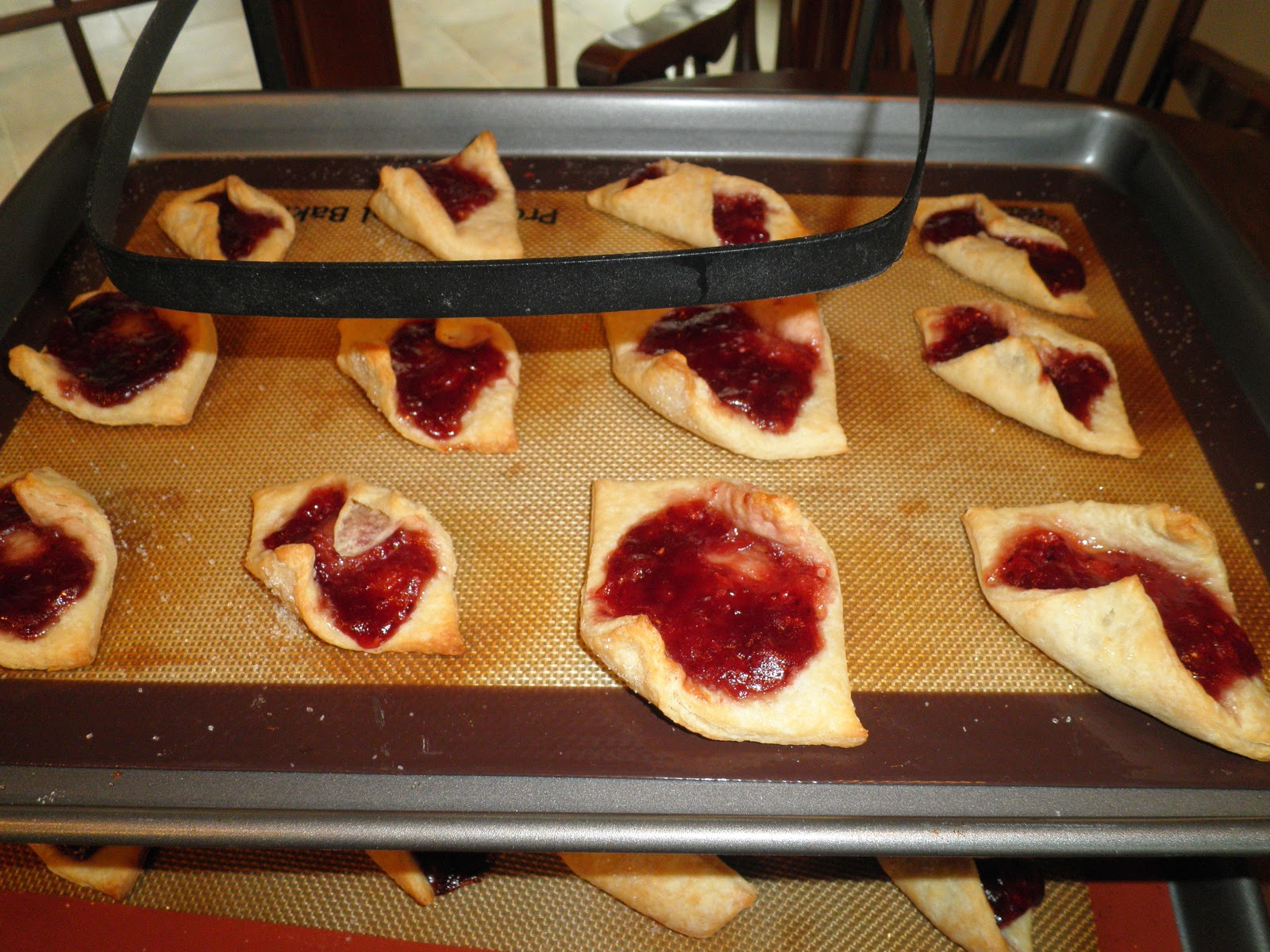 a little sad that i couldnt call mom to ask what the trick was i searched my memory trying to envision moms fingers as she assembled these cookies - Kolacky Polish Christmas Cookies
