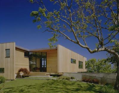 Casa con fachada minimalista