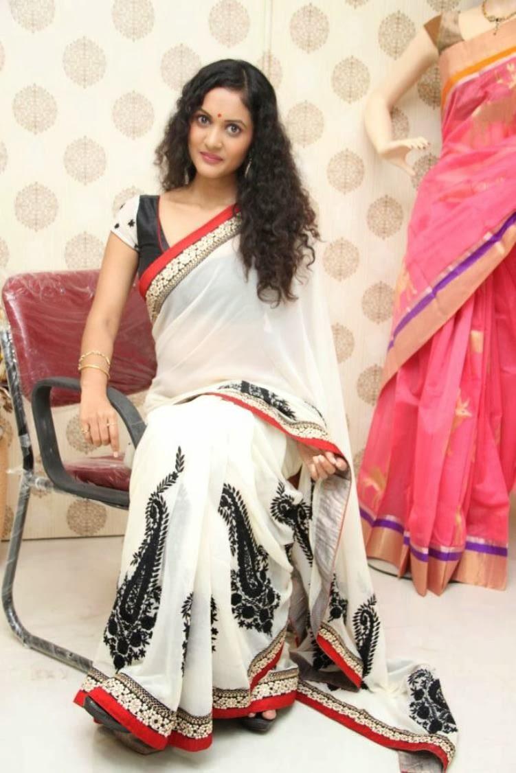 Nivitha Saree photos Nivita stills-HQ-Photo-11