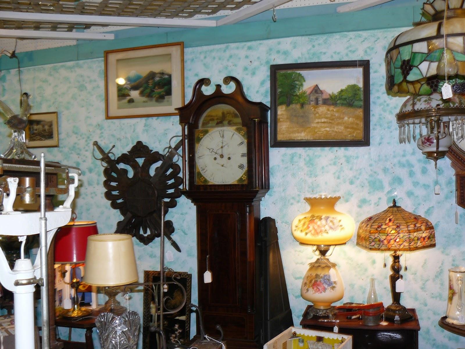 SCRANBERRY COOP : Scranberry Coop Antique Store