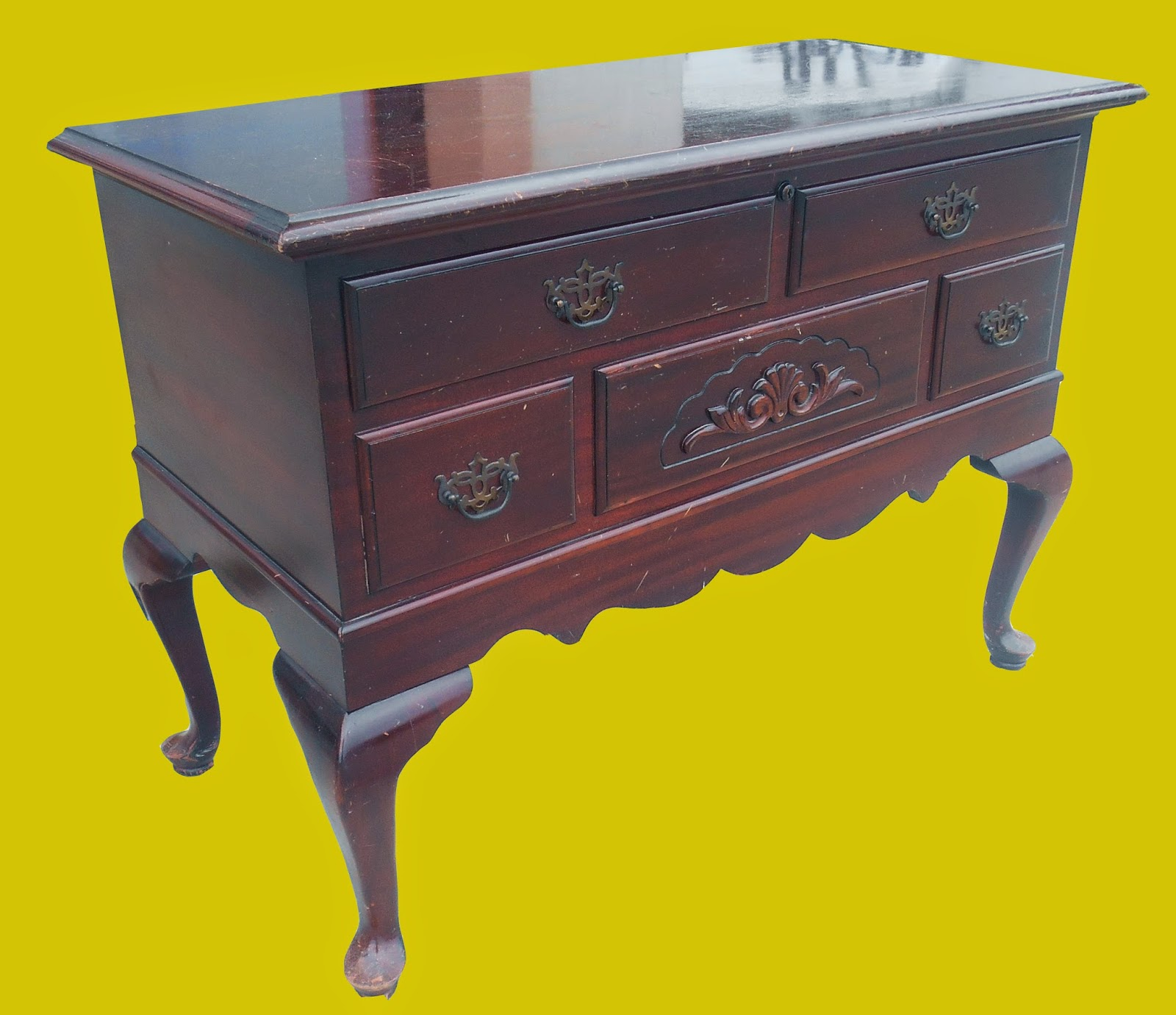 Uhuru furniture collectibles mahogany cedar chest for Reduced furniture