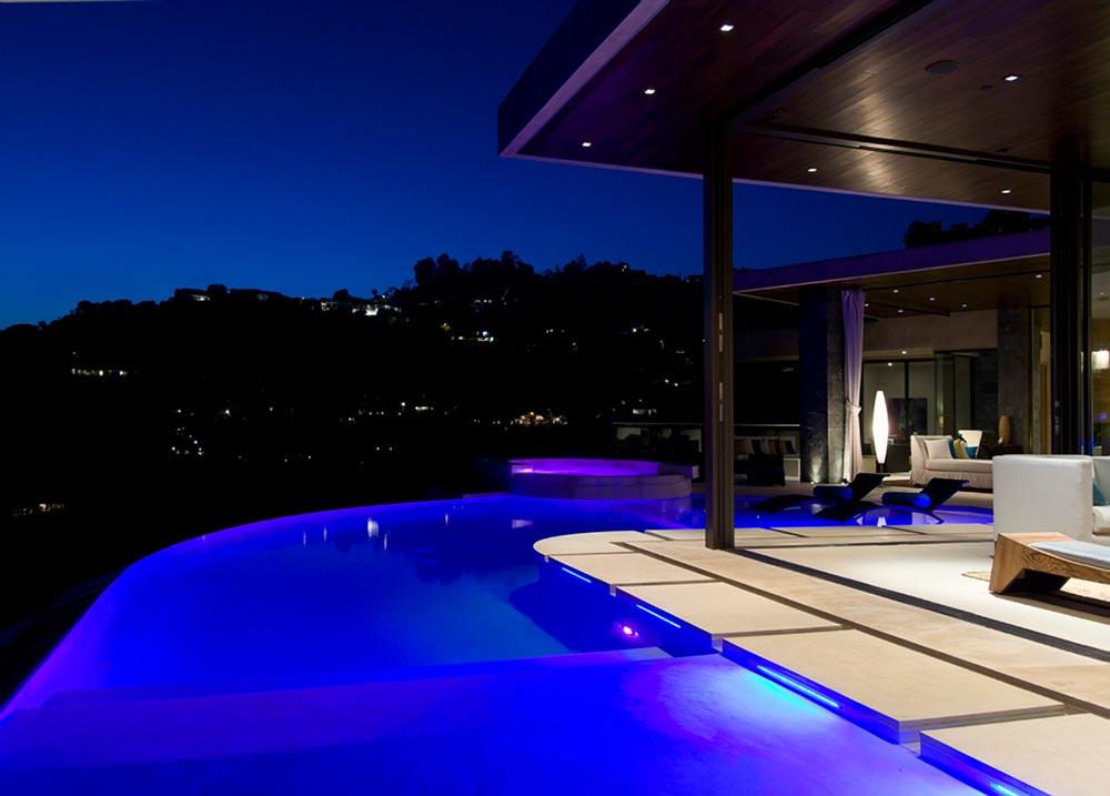 World of Architecture: Luxury Modern Villa On The Blue Jay ...