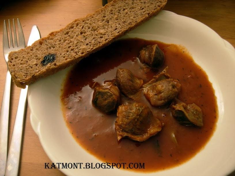 http://katmont.blogspot.fr/2014/03/moelas-estufadas-ao-molho-de-tomate.html