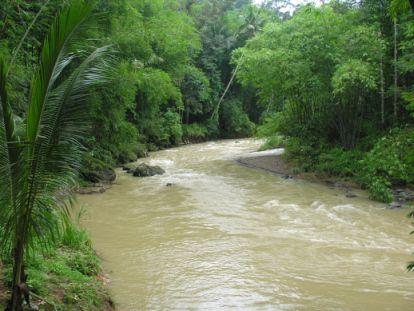 Sungai di negara ini dikategorikan kepada lima kelas: