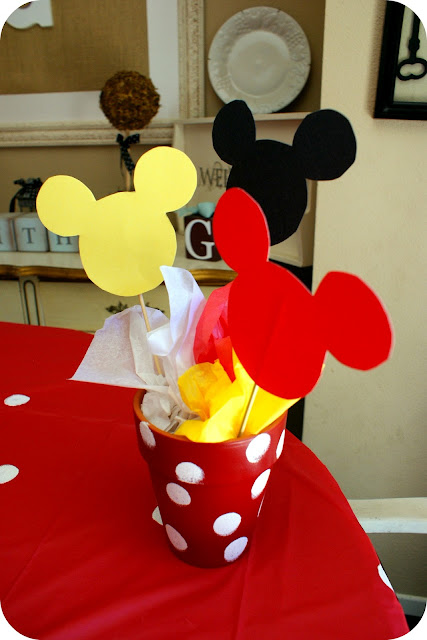I Heart My Glue Gun: Mickey Mouse Birthday Party!