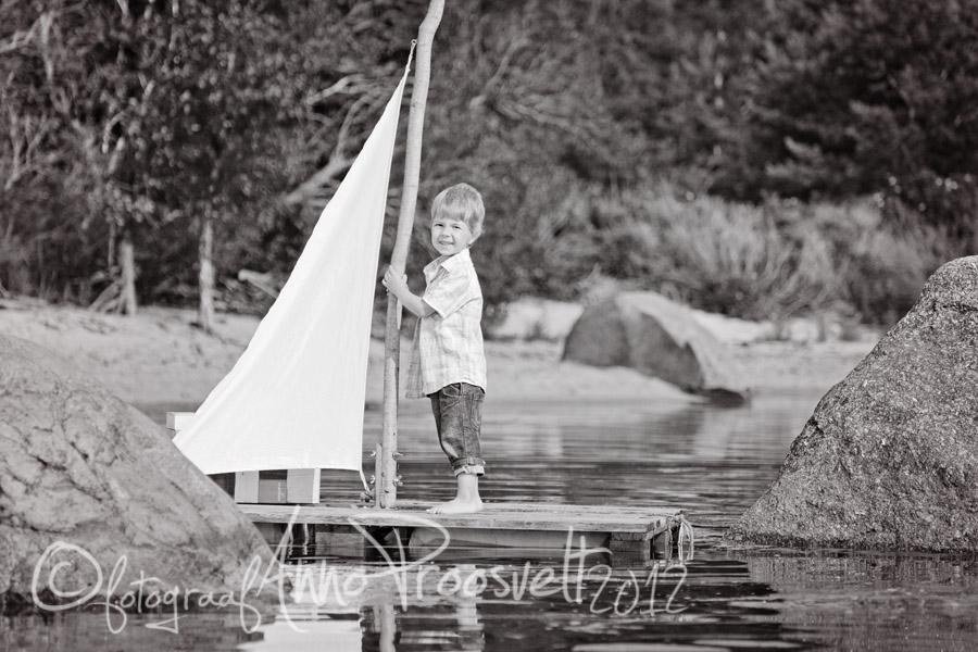 vaike-parvetaja-merel-pildistamine-õues