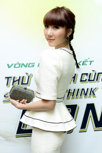 Ngọc Quyên vừa hoàn tất loạt show diễn thời trang, nên cô tranh thủ đi xem nhảy. Đây là bộ môn nghệ thuật mà cô rất yêu thích.