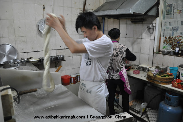 Sneak Preview free holiday to Guangzhou for premium beuatiful top agent from green leaders group witnessing noodle making