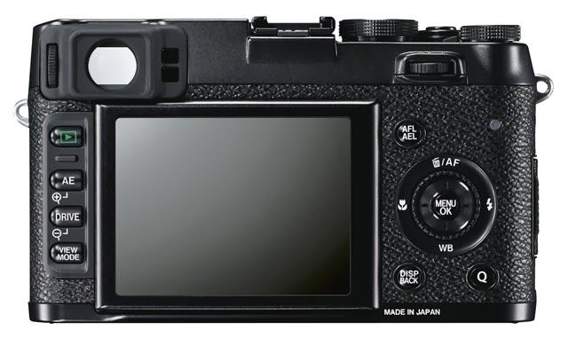 Fotografia del dorso della Fujifilm X100s nera