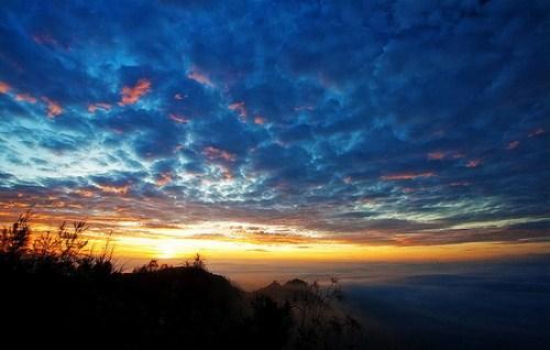 sunrise di puncak pananjakan