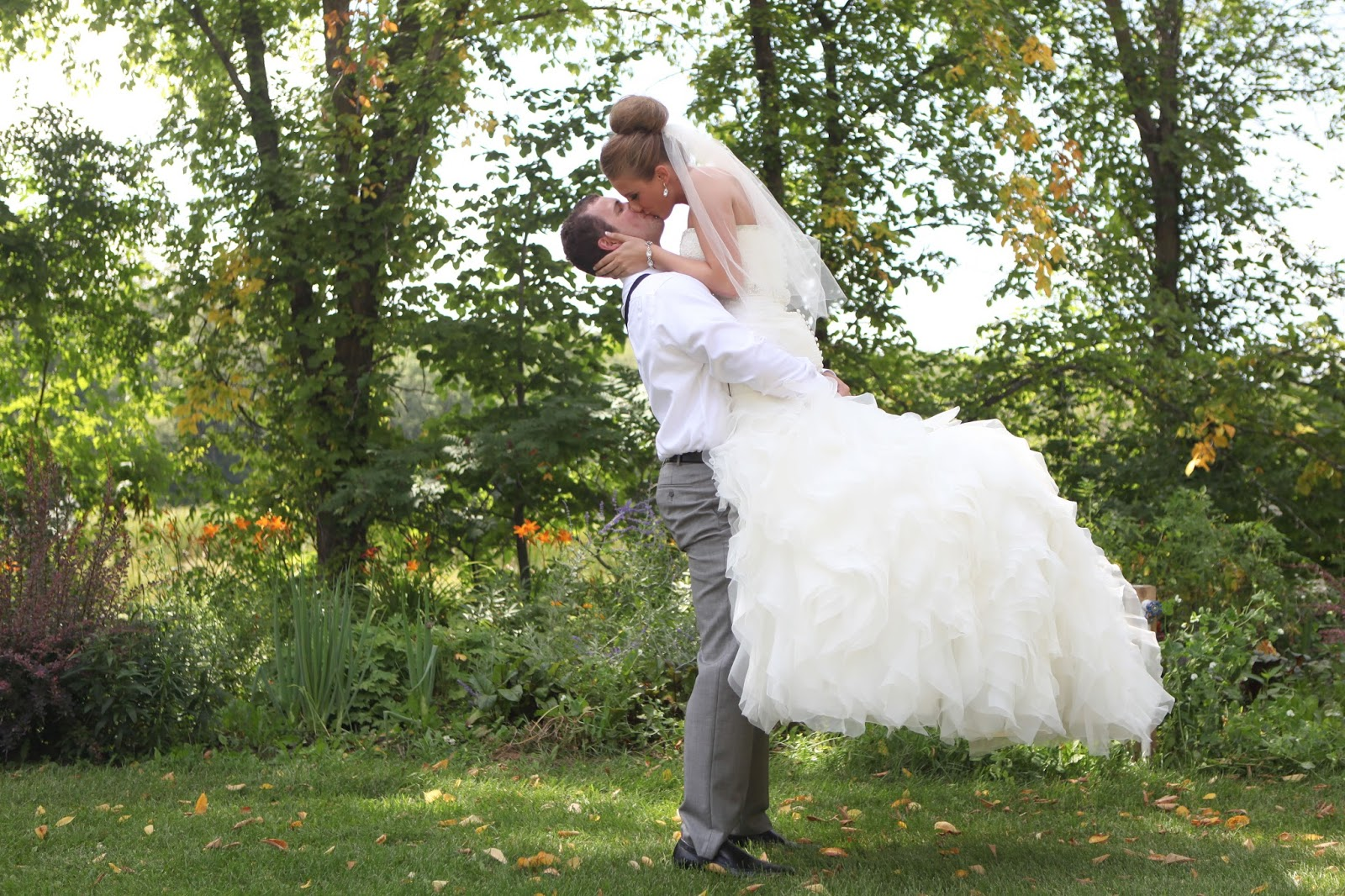Kristen anne photography courtni adam detroit lakes for Adae salon fargo