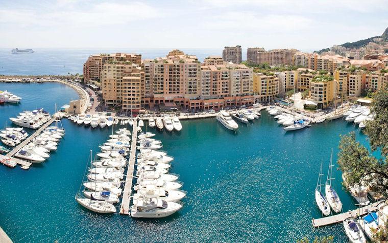 Barcos y yates en el Puerto de Mónaco - Monaco port boats