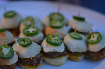 Spicy Jalapeno/Sharp Cheddar Beef Sliders