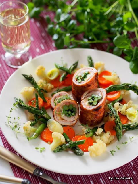 rolady ze schabu , szparagi , obiad , smaczna pyza , najlepsze przepisy