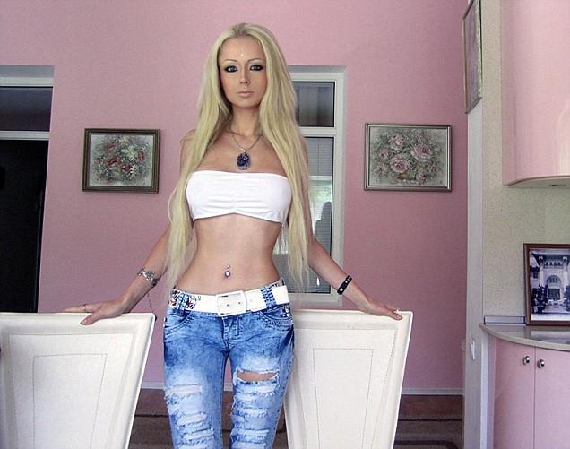 http://todaybliss.blogspot.com/2012/04/valeria-lukyanova-real-life-ukrainian.html