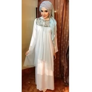 Gaya Hijab Fashion Ala Zaskia Sungkar