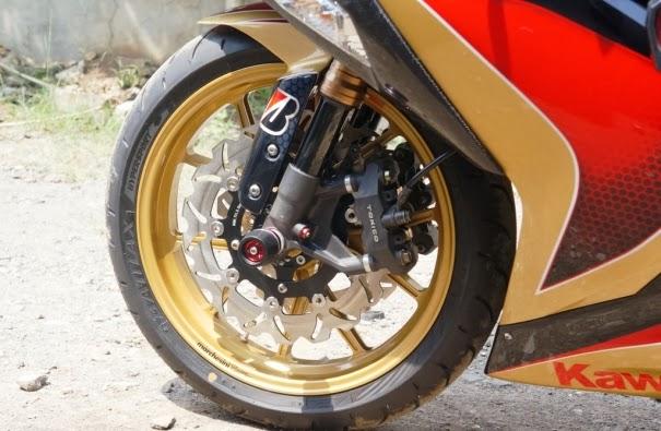 Foto Modif Kawasaki Ninja 250 FI 2012 Keren ala Iron Man