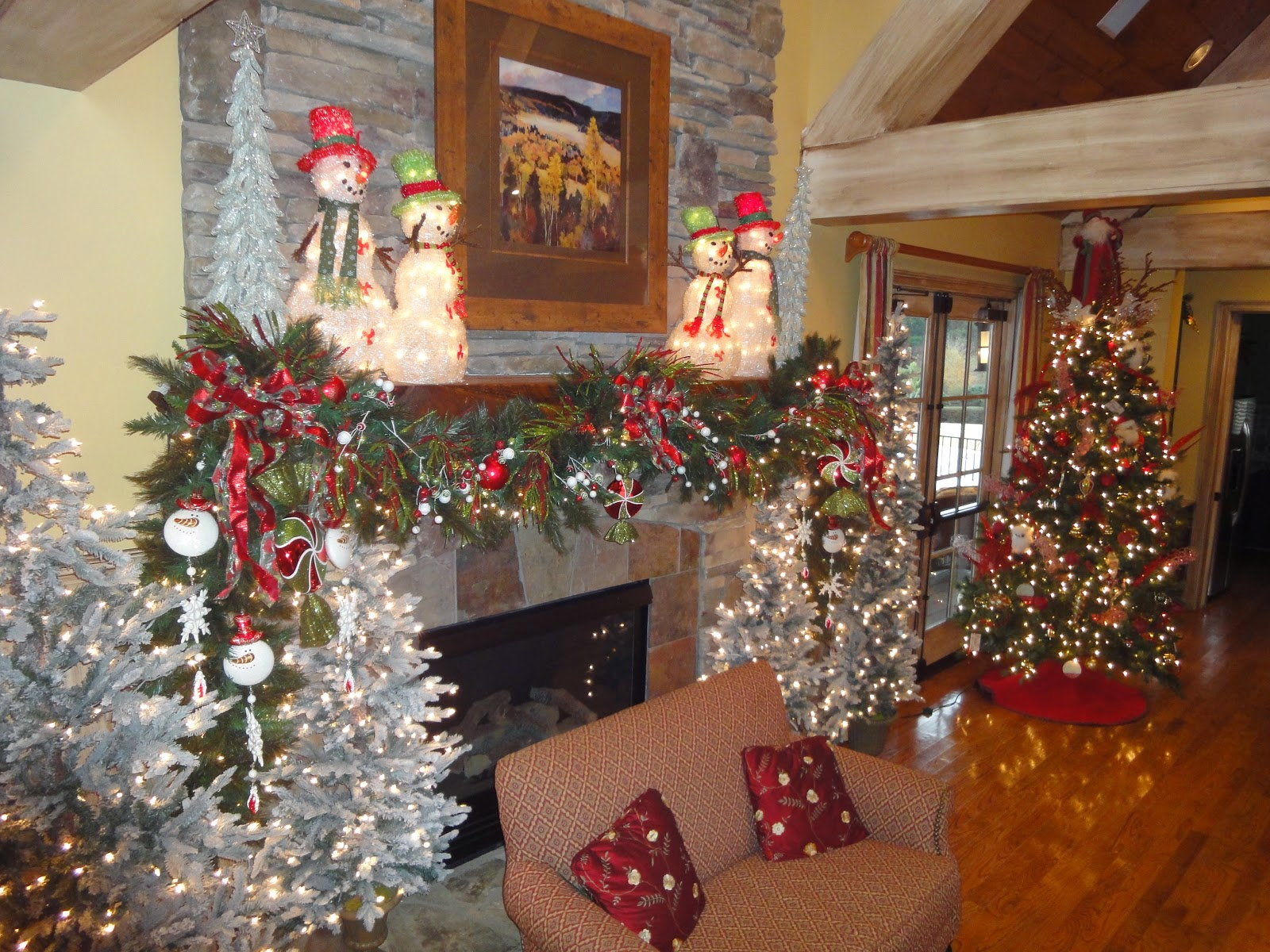 Country christmas decorations 2014 - Christmas Mantel Ideas Designs To Share And To Build Your Own Ideas Upon 2014