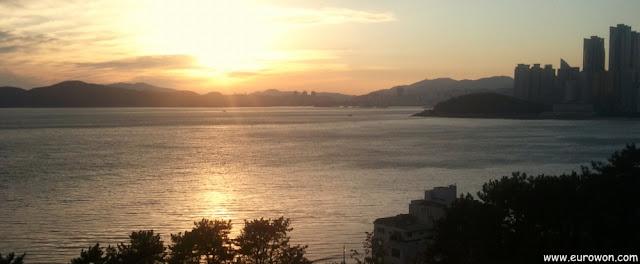 Vista de Dongbae y Igidae desde Haundae, en Busan