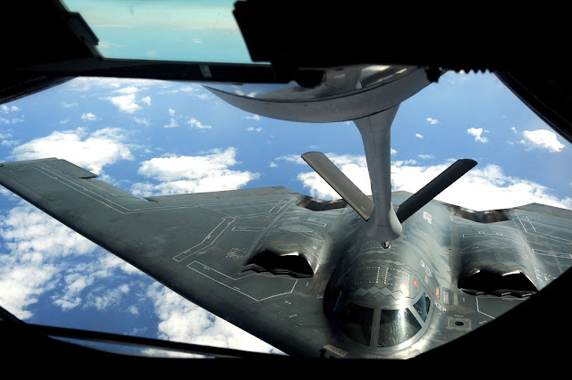 B-2 Spirit air refuelling