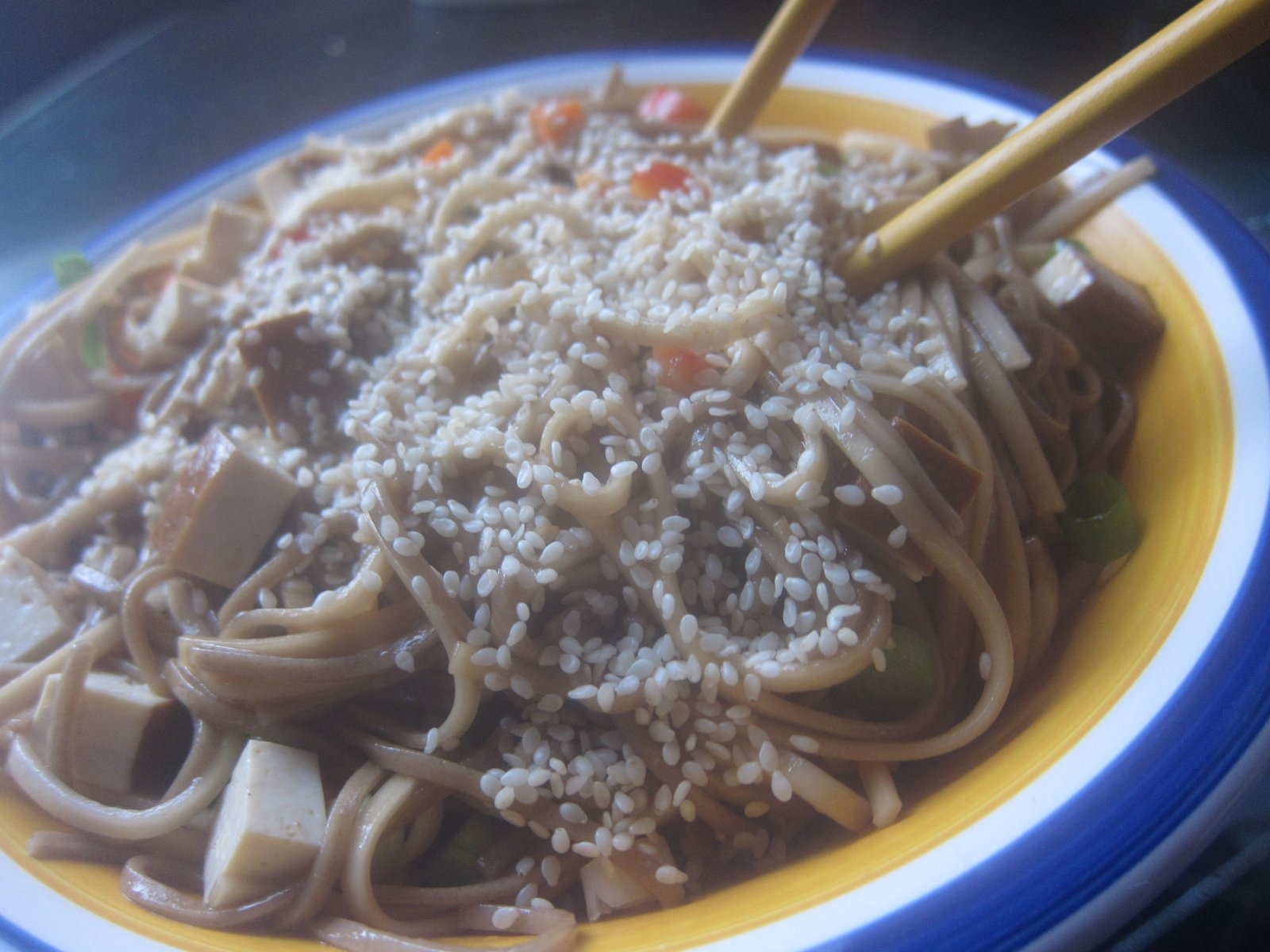 WholeFoodVegan: Sesame Udon Noodle Bowl