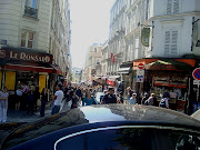 ParisMontmartreThe Art of the Stroll (montmartrestreet)