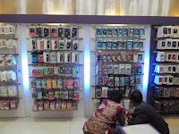 funiture semarang display etalase meja cs meja kasir display gantung toko hp 02