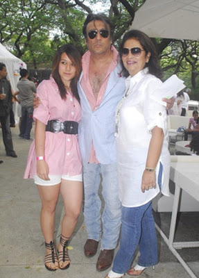 Krishna Shroff with father Jackie Shroff