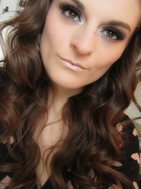 http://chroniquedunemakeupaddict.blogspot.com/2015/03/makeup-avec-la-collection-cendrillon-de.html