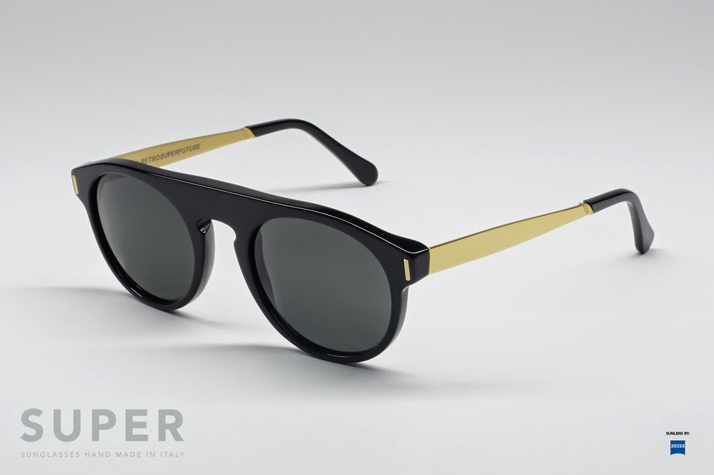 http://www.ontfront.com/?wpsc-product=super-racer-francis-black-gold