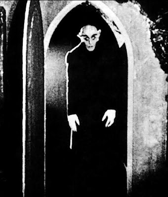 Nosferatu: Max Schreck was one CREEPY-looking Sonfabiotch!!