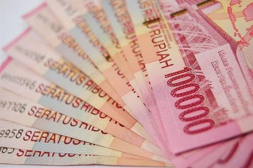 arti mimpi melihat uang banyak, arti mimpi diberi uang oleh suami, tafsir mimpi diberi uang, tafsir mimpi mendapat uang, mimpi dikasih uang banyak, makna mimpi dikasih uang, mimpi diberi uang oleh orang yang sudah meninggal, mimpi diberi uang oleh atasan
