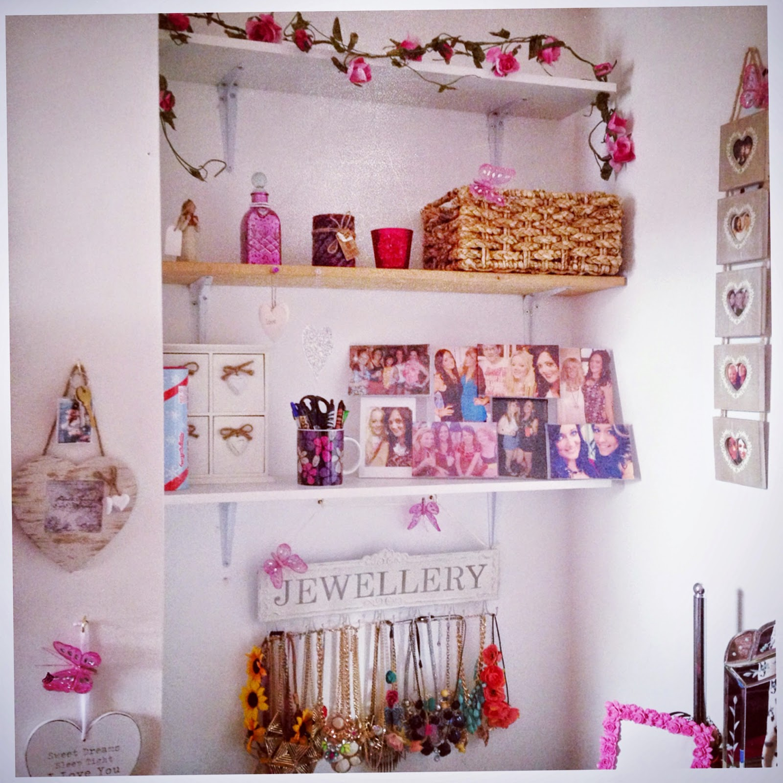 All things beautiful university a look around my student for How to make your room look girly