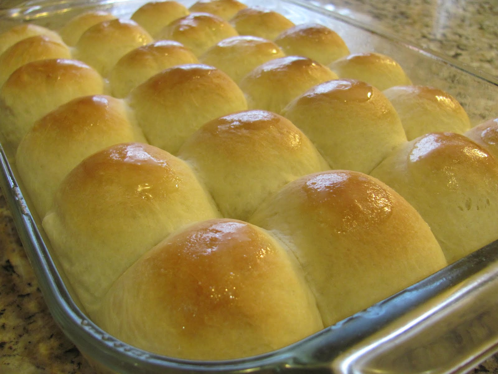 Sprinkle Some Sunshine!: mom's holiday dinner rolls party!