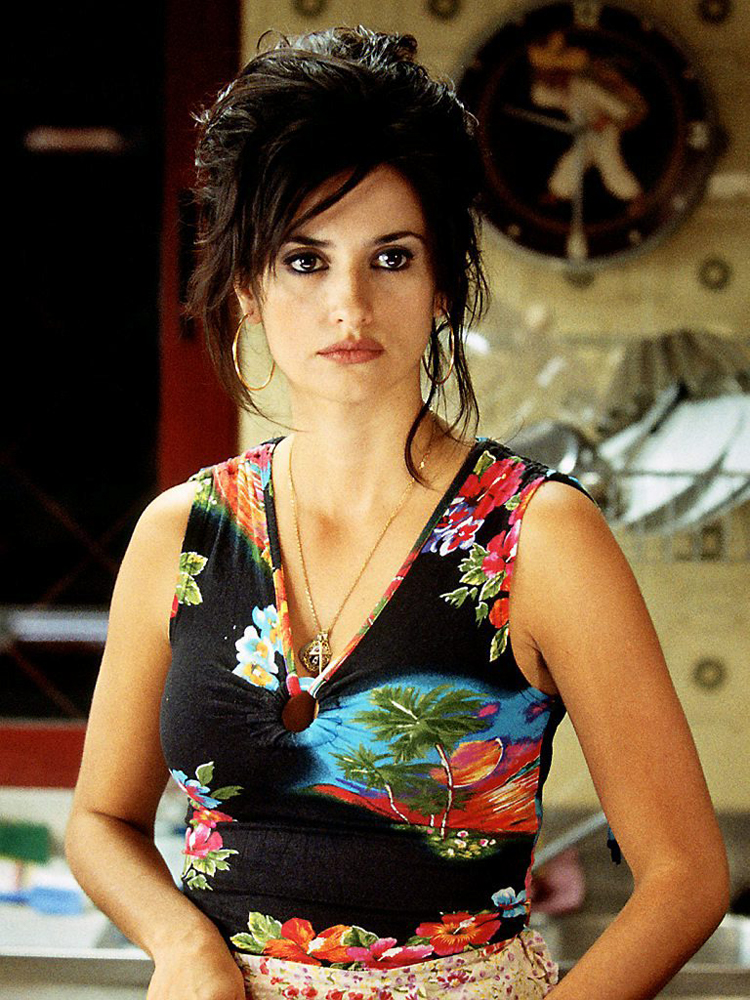 Fresh Look Celebrity Penelope Cruz Hairstyles 48