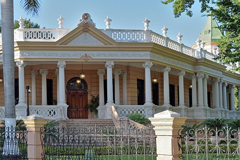 Villa le long du Paseo de Montejo à Mérida