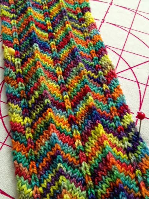 Chevron Scarf Pattern Knit : Silly Happy Sweet: Chevron Scarf