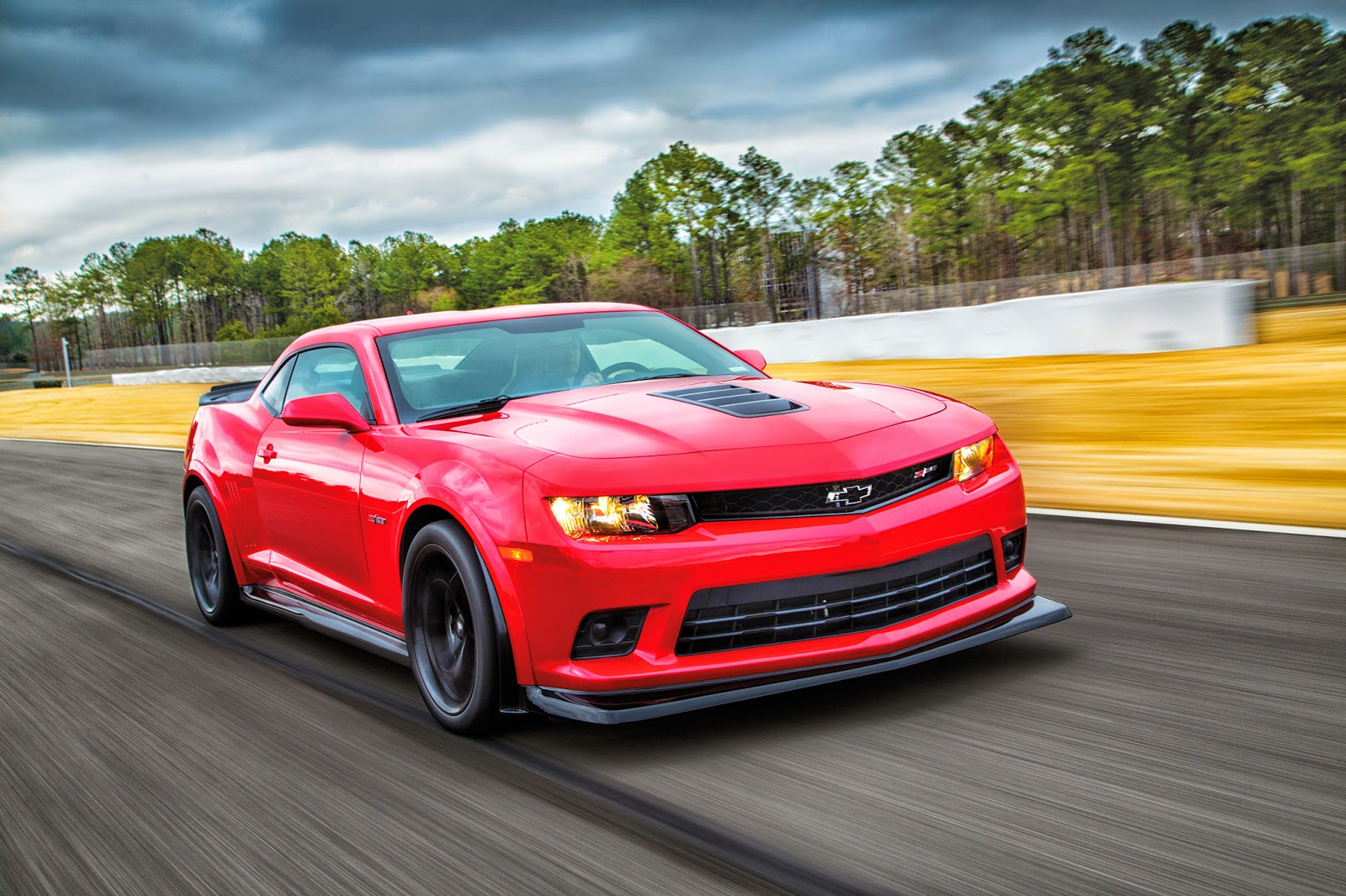 Motor Trend's Named Chevy Camaro Z/28 2014 Best Driver's Car