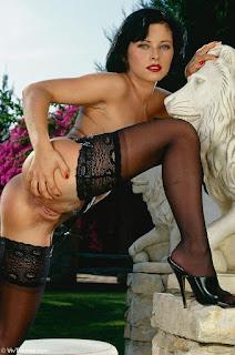 Nude Selfie - rs-VivThomas_Vera---brunette-in-a-red-dress_Vera-A_by_Viv-Thomas_high_0020-775778.jpg