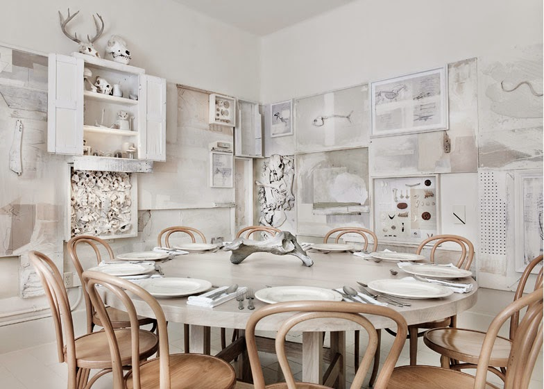 gaya-interior-dan-dekorasi-unik-ribuan-tulang-hewan-di-rumah-makan-Hueso-011
