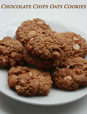 Sugar & Spice: Chocolate Chip Oatmeal Cookies
